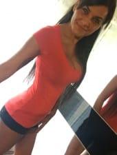 adrienn-sexy-brunette-partyhostess-girl-02.JPG