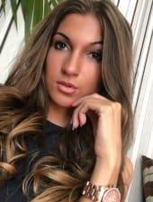 jennifer-beautiful-sexy-pretty-georgeus-young-brunette-aprtyhostess-girl-in-budapest-02.jpeg