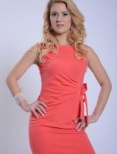 judit-beautiful-blonde-hungarian-woman-hostess-girl-01.JPG