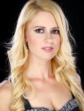 judit-beautiful-blonde-hungarian-woman-hostess-girl-04.JPG