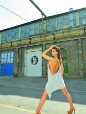 Krisztina-hungarian-partyhostess-budapest-brown-eyes-06.JPG