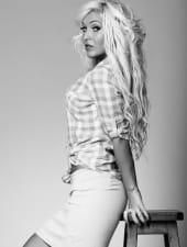 zsanett-blond-girl-hungarian-party-hostess-01.jpg