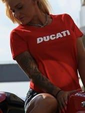 nikol-extreme-tattoed-party-hostess-girl-budapest-01.JPG
