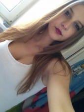 roxana-very-young-pretty-blonde-girl-vip-hostess-budapest-01.jpg