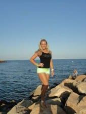 Vivien-blonde-hungarian-party-hostess-girl-04.jpg